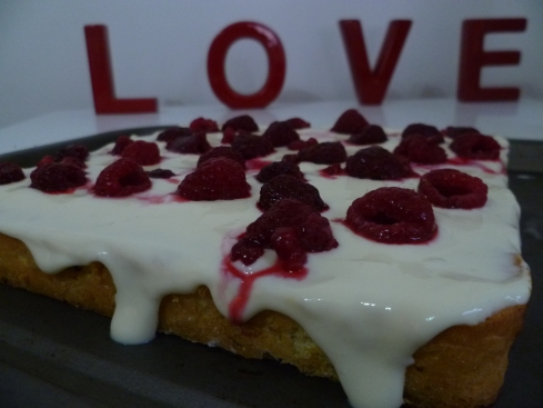 Lemon and raspberry cake